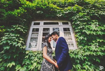 Pre-wedding shoot in vintage home
