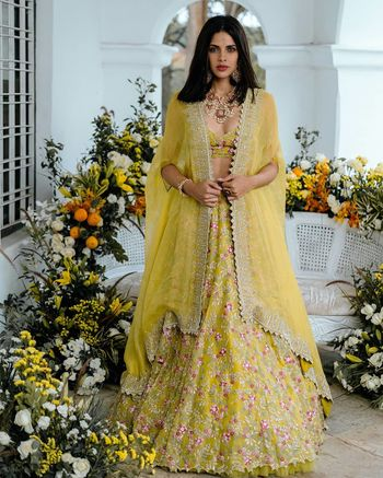 Yellow Outfits Photo modern bride