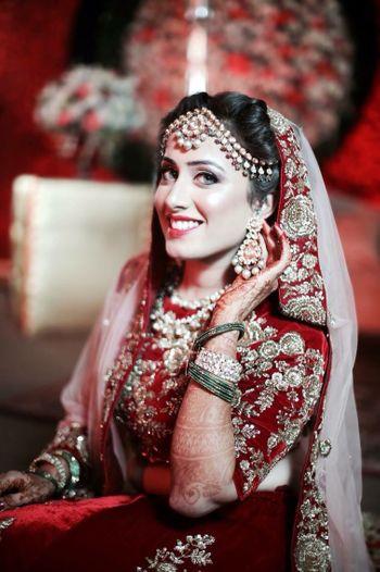 Indian bride with polki earrings