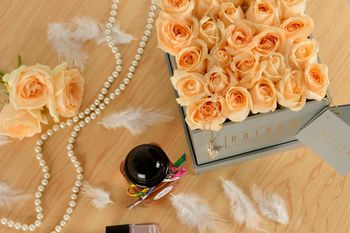 Gorgeous roses in a tasteful box!