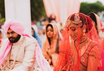 Sikh bride in warm hued outfit