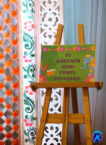 Printed Message Board with Quote on Easel