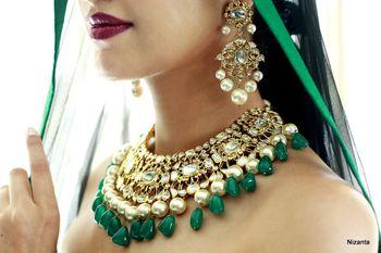 Emerald jewellery with polki necklace