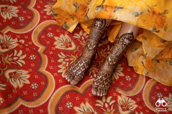 Bridal foot mehendi design.