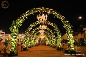 Photo of floral circular entrance decor idea