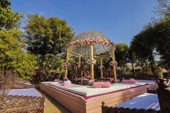 outdoor circular mandap decor idea