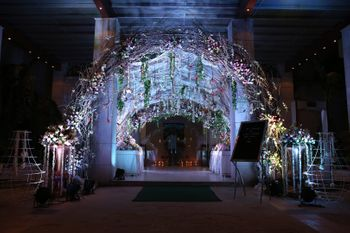 Entrance decor arch