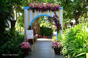 An archway decor for entrance.