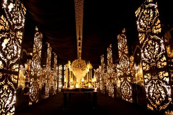 Photo of Black and gold grand entrance decor idea