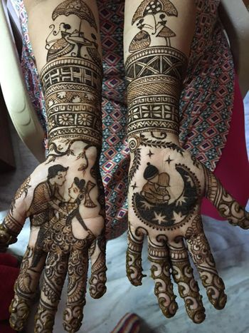 Modern Mehendi Design with Romantic Couple Portraits