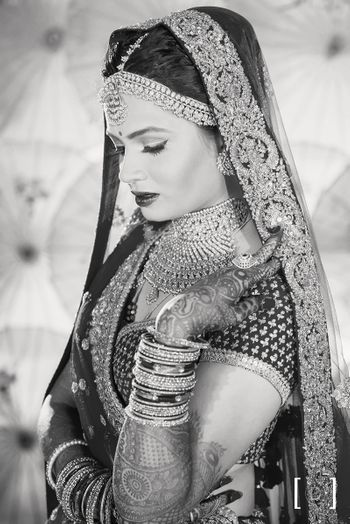 Black and White Classic Bridal Portrait