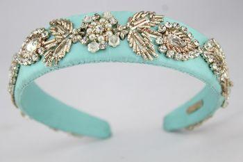 Photo of turquoise hairband mehendi favor ideas