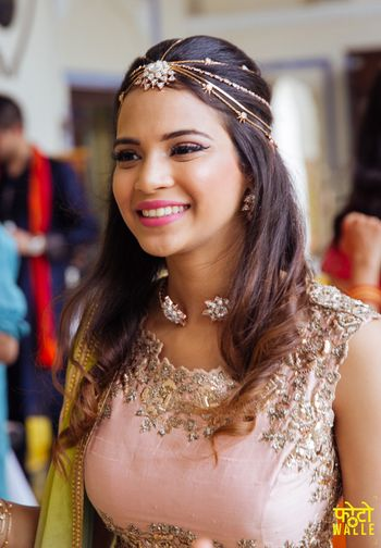 Head chain with multiple strands for mehendi