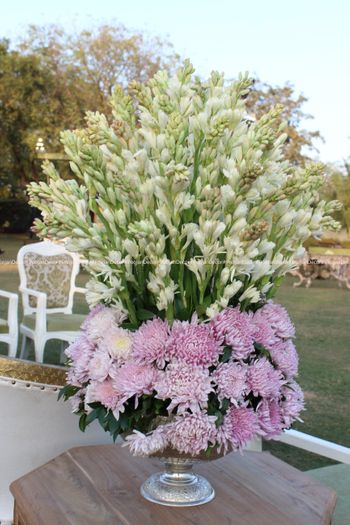 Photo of Table floral arrangements