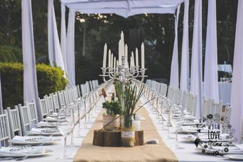 white table decor