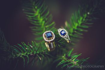 His and her engagement rung with sapphire
