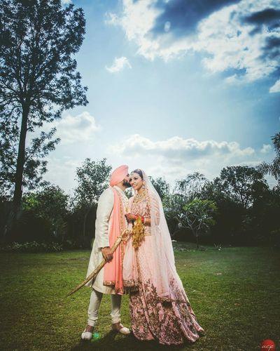 Photo of couple kissing shot