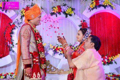 Divine weddings price reviews wedding photographers in guwahati portfolio pic junglespirit Choice Image