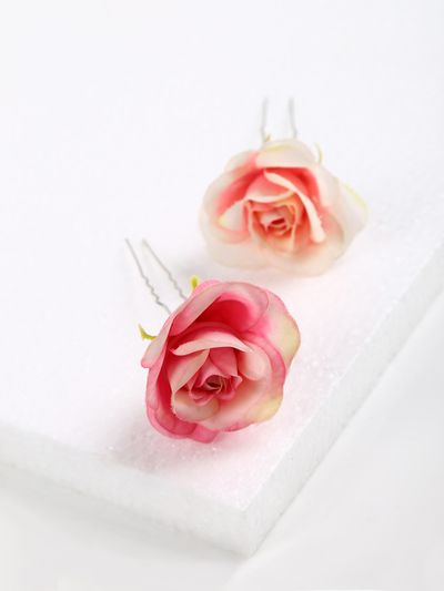Photo of Hair pins with roses for engagement