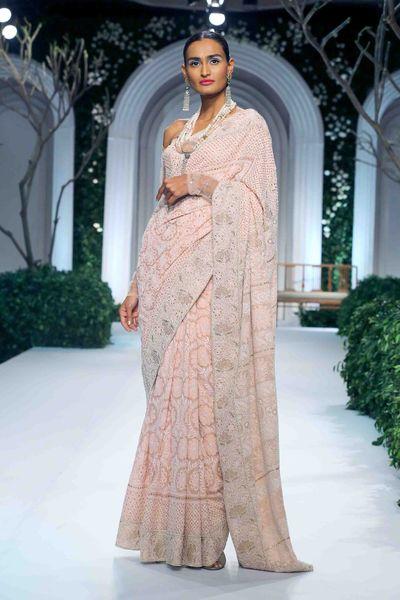 Photo of Soft pink chikanwork threadwork saree