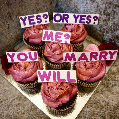 Photo of Cute cupcake proposal idea