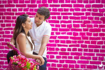 Photo of pre wedding shoot backdrop