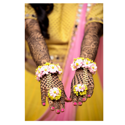 Photo of Dry floral jewellery haathphool for mehendi