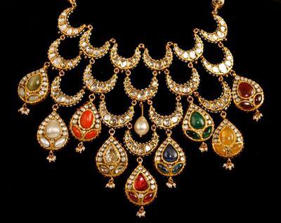 Photo of bridal necklace set