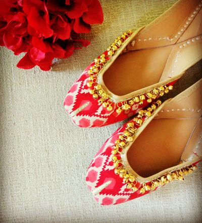 Photo of ikat print juttis