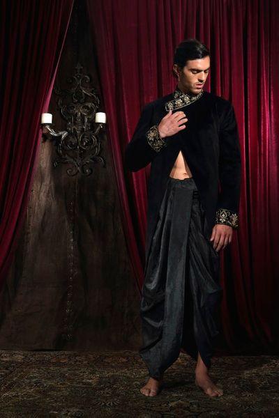 Photo of velvet bandh gala