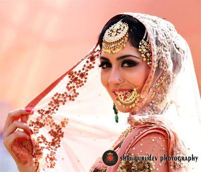 Photo of Bridal portrait with dupatta