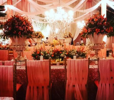 Photo of floral table decor