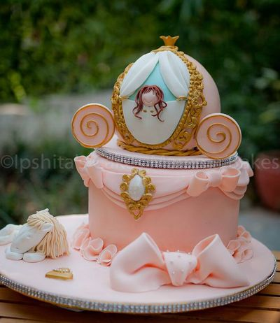Photo of carriage cake
