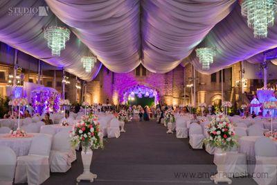 Photo of indoor white theme tents decor