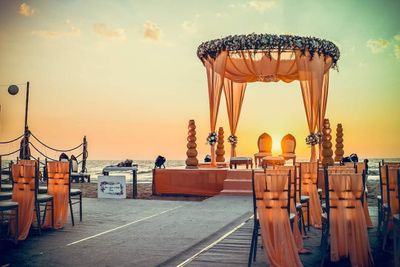 Photo of Minimal mandap decor with a hint of flowers