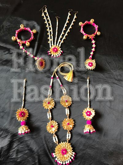Gotta jewellery set in hotpink