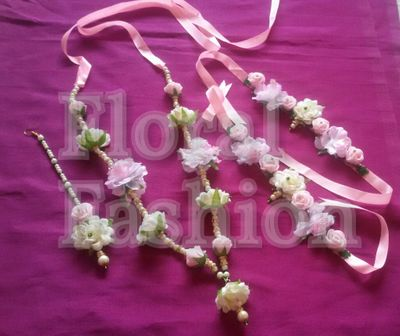 bipasha basu inspired floral jewellery with Maangtikka