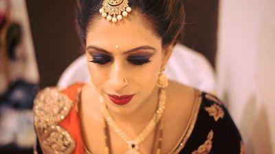 Radhika's Glamorous Reception Look