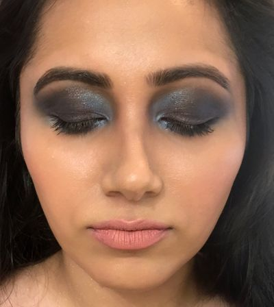 Blue Smokey Eyes_Cocktail Look