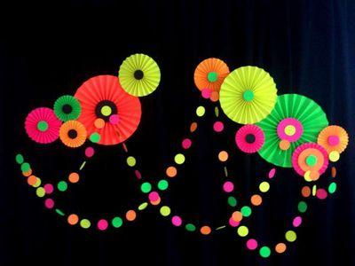 ULtrAViolet light Party