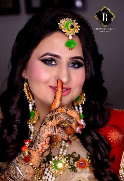 Deepika Madaan's Mehandi Function