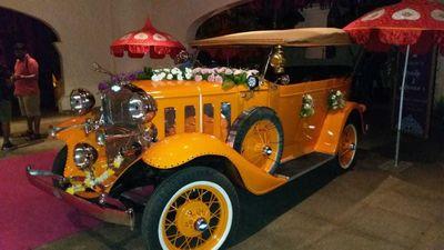 Vintage Cars, Baraat Band, Doli, Ghodi etc