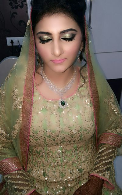 Pretty Muslim Bride Ready for her nikkah