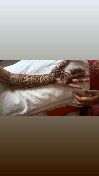 Shailja bridal mehendi at Meerut
