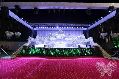 Lotus Garden Theme Reception