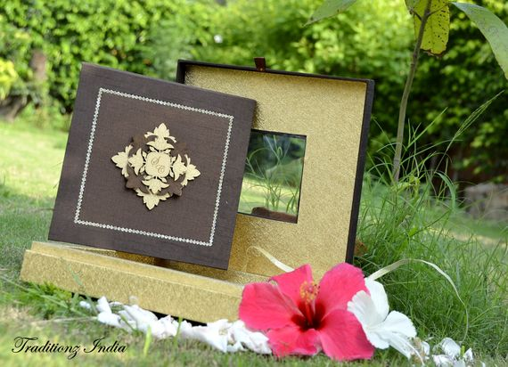Photo of brown invitation box