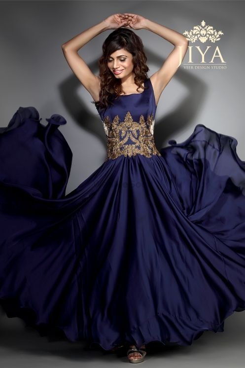 Photo of sleeveless gown