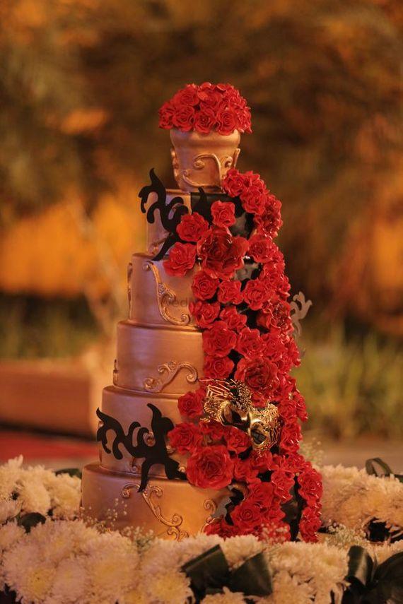 Photo of 6 tier wedding cake