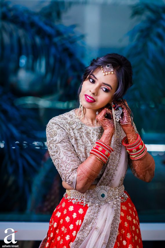 Photo of South Indian bridal look with diamond waist belt
