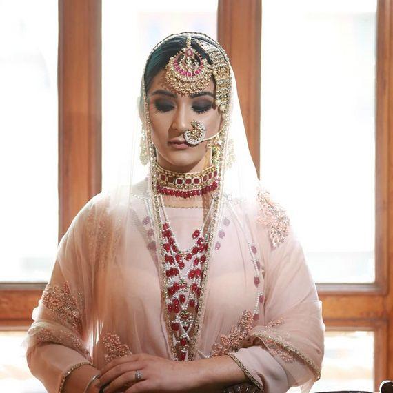 Photo of Contrasting bridal jewellery unique